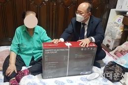 명예사회복지공무원 폭염 속 홀몸노인 안전 살펴